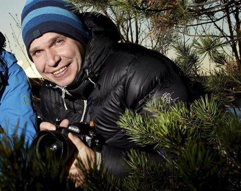 NRK-journalist og naturfotograf Kjartan Trana døde mandag kveld. Han ble 53 år gammel.