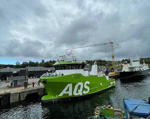 REPARERT: Etter havariet ble AQS Tor tauet til Moen Verft i Kolvereid, der servicebåten straks er ferdig reparert og klar for oppdrag. Foto: AQS AS