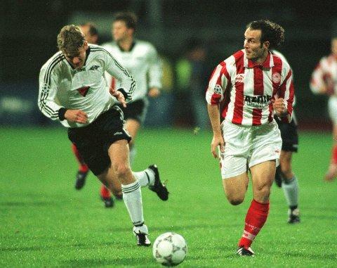 I 1997 knuste Rosenborg Olympiakos 5-1 i Champions League på Lerkendal. Da fikk greske Alexios Alexandris brynet seg på Christian Steen, som aldri fikk noe stor karriere i RBK. Scan-Foto:Erik Johansen