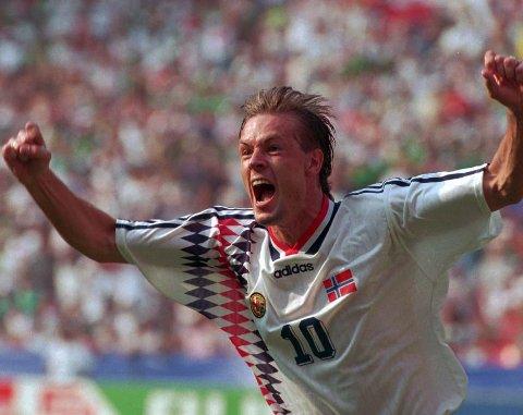 Mååål: Kjetil Rekdal jubler etter å ha scoret seiersmålet i Norges 1–0 seier over Mexico. Foto: Bjørn Sigurdsøn / NTB/Scanpix