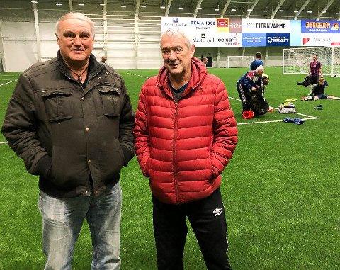 Sture Rasmussen (t.v.) og Jon Ole Ringstad ser fram til at Mo IL skal være tilbake i seriespill til våren. Foreløpig er det plass til flere i troppen, men den begynner å ta form.