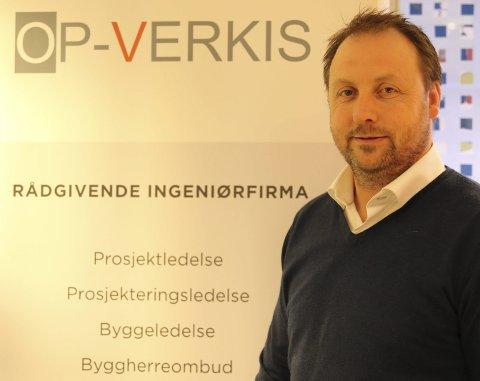 Startet opp eget: Kenneth Olafsen startet eget firma hjemme på låven.