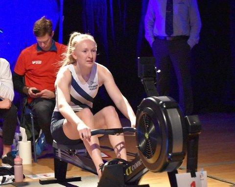 Caroline Østbø fra Tananger fikk med seg både gull og sølv fra NM i innendørsroing.
