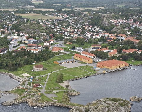 Stavern: Fredriksvern Verft trekker en kvart million besøkende hvert år. Bare til påske kommer cirka 40.000.