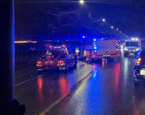 ULYKKE: Fire biler er involvert i ulykken på Semslinna.