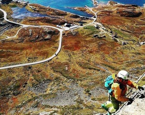 VIA FERRATA SYNSHORN: Øyvind Grønolen opplyser at interessen for å ta seg opp fjellveggen til Synshorn dobla seg i fjor sommer.