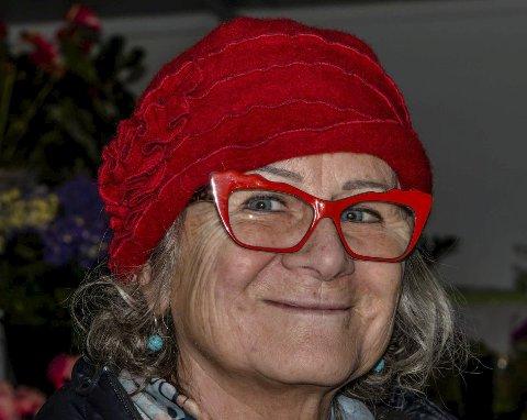 Grazyna Englund: - Fint med flere avganger. Jeg tilpasser tog/bil etter hvor greit det er å komme seg dit man skal. Til Oslo sentrumsområde bruker jeg tog.