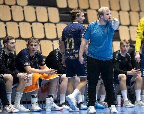 Det ble en nok tung kveld for Bergen-trener Fredrik Ruud etter at laget tapte 29-32 for Kristiansand. Laget har tre poeng etter syv kamper.