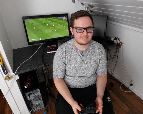 Viking: Chris André Skogland fra Haugesund spiller for Viking i eSerien.