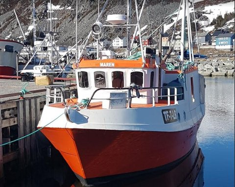 MAREN: Den nye 35 fot lange båten har fått navnet Maren. Nå gleder eieren Benedikt Magnússon seg til å teste den på sjøen.