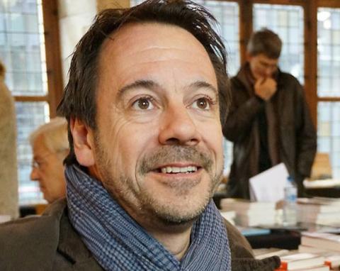 Franske Michel Bussi er geografiprofessoren som skriver krimromaner. «Etter styrten» er solgt til 29 land og lå på franske bestselgerlister i over et år.