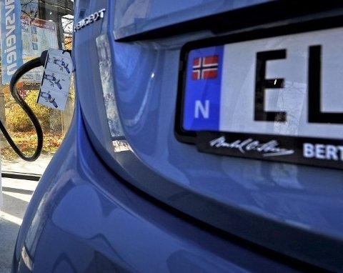 SINKE: Det selges stadig flere elbiler i Fredrikstad enn før, men likevel henger vi etter landsgjennomsnittet.