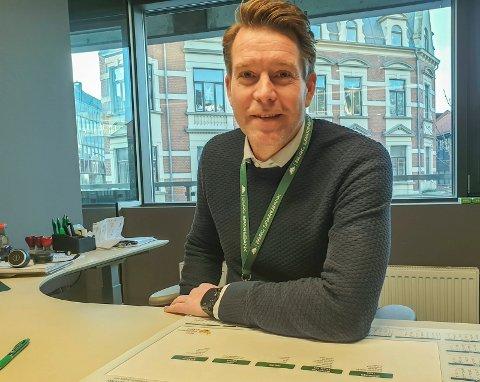 Glad leder: Kim Johansen i Trolldalen IF kan glede seg over mer enn halvannen million i gave etter salget av Lunde Samfunnshus. Nå kan klubben planlegge klubbhus.