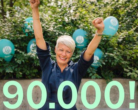 MILEPÆL: - Så glad blir en generalsekretær når en passerer 90 000 medlemmer, smiler Line Henriette Holten.