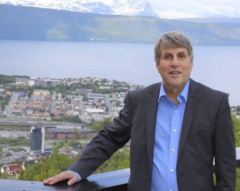REKTOR: Arne Erik Holdø er avtroppende rektor ved Høgskolen i Narvik. I dette innleggetgjør han seg noen tanker om hva det betyr at Narvik blir universtitetsby om få uker.