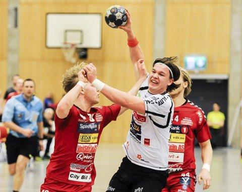 Kvartfinaleklar: Halden Topphåndballs linjespiller Thomas Solstad har store ambisjoner som håndballspiller. Nå gleder han seg til kvartfinaleserien mot Haslum, der første kamp (best av tre) spilles i Remmenhallen søndag ettermiddag.