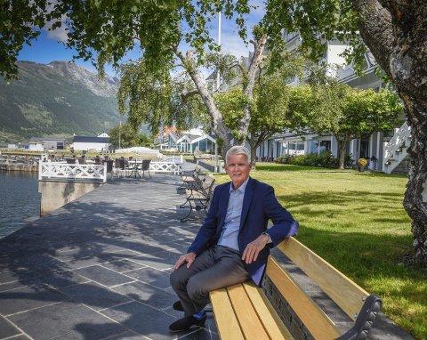 Stig Castøe ser utfordringa i overgangen frå familieeigd til ikkje-familieeigd hotell som spesielt spennande. Han får budsjett til utviklingsprosjekt frå dei nye britiske eigarselskapa.