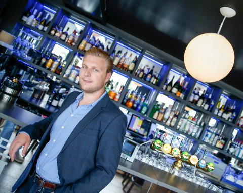 Driftsleder i Inventum, Petter Viksund. Restaurantselskapet har stort sett fått tommel opp når skjenkekontrollørene har vært innom deres barer og restauranter de siste to årene.