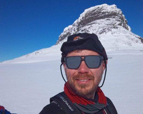 BLID MANN (47): Alexis Lundh på ein av mange solskinsdagar – sør for Hårteigen.