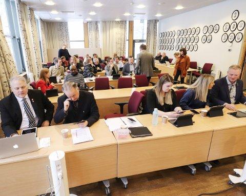 Gudstjeneste: Vefsn kommunestyre debatterte om kommunens elever skal gå på skolegudstjenester eller ikke.Foto: Jon Steinar Linga