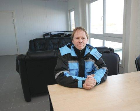 PLANER OM TØRKERI: Duncan Steel i Isanlegget AS ser på mulighetene for å anlegge et tørkeri av fisk i Mehamn. Om det blir en realitet, kan det skape sårt tiltrengte arbeidsplasser i fiskeværet.