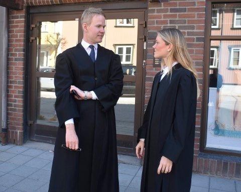 SØKSMÅL: Advokatene Gaorg Abusdal Engebretsen og Helene Moustgaard Bogen fører saken for Vidar Pettersen i Kongsberg og Eiker tingrett.