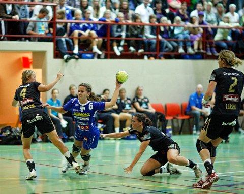 3. runde i håndball-NM for damer. HK Rygge - Larvik 17-41 i Øreåshallen. Kristin Bråthe.