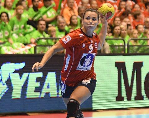 HELT I HUNDRE: Nora Mørk scoret seks ganger i sin hundrede landskamp.