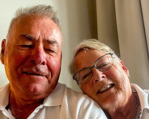 HJEM TIL NORGE: Ekteparet Geir og Ellen Frøland fra Askim har vært fem måneder i leiligheten deres i Spania. Lørdag kom de hjem til Norge og er nå på karantenehotellet Clarion på Gardermoen.