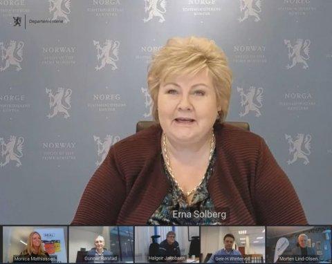 MØTE: Statsminister Erna Solberg møtte fem bedrifter fredag.