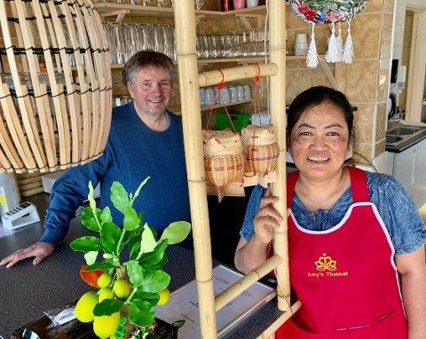 Etterlengtet: Sjur Berge og kona Amy Angkaew gleder seg til endelig å åpne thairestauranten sin Sawasdee på Raufoss.