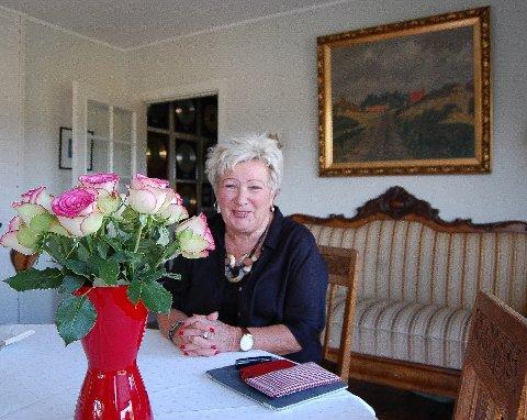 SYNGENDE JUBILANT: I forbindelse med 70-års dagen inviterer Lillian Askeland til jubileumskonsert med gode venner i Rådhusteatret lørdag 24. august. - Jeg vet ikke hvordan livet mitt hadde blitt hvis jeg ikke kunne synge og holde konserter.