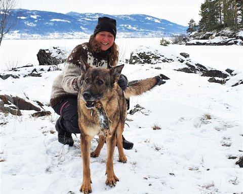 GJENSYNSGLEDE: Gleden var stor da Elin Rotefoss (50) ble gjenforent med Nica (7) som var borte i 60 timer.