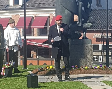 VETERAN: Veteran Kjetil Grotbæk Moen holdt tale under årets 8. mai markering. Han mener det er behov for en veteranplan på Notodden.