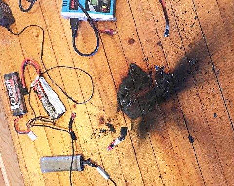 ALLIKEVEL ER DET GRUNN TIL Å VÆRE FORSIKTIG: Bildet viser et lithuim-ion batteri til en modellbil som tok fyr under lading.