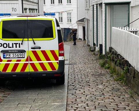 Politiet var utstyrt med skjold under pågripelsen.