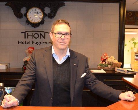Direktør Ole Magnar Volden-Sandersen kan på ny ynskje velkomen til Thon Hotel Fagernes, etter at det har vore stengt sidan før jul grunna oppussing.