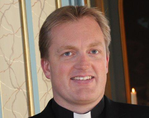 Å VISE OMSORG: Den gode samtalen etter en begravelse er kanskje viktigere i disse tider enn noen gang, sier prest Einar Weider.