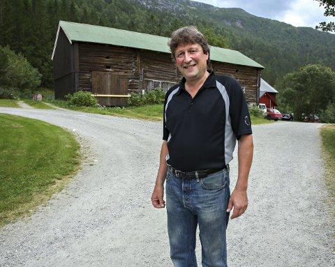 Førstekandidat Jørgen Singsdal (Sp) står ved et veivalg.