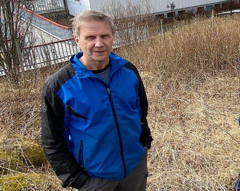 IKKE FORNØYD: Asbjørn Bye vender tommelen ned for det pågående arbeidet med interkommunal kystsoneplan.