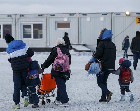 SENDT TILBAKE: Mange land i EU sendte asylsøkere tilbake til Norge i fjor. Blant annet sendte Tyskland 1.247 asylsøkere tilbake. Dette bildet er tatt i asylleiren utenfor Kirkenes i 2015.Foto: Cornelius Poppe / NTB scanpix