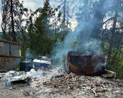EIEREN FULGTE ANMODNINGEN: Torsdag kveld ba Vestfold Interkommunale Brannvesen en virksomhet i Hof om å slokke brenning av avfall..