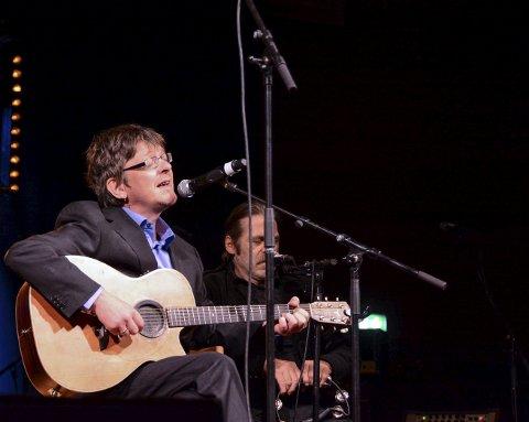 Matti Røssland spelte sist på Rock'15 i oktober i fjor, og det blei stor suksess. Neste helg, 14. mai, blir det ny konsert med Matti i festsalen i Kulturhuset Husnes. (Arkivfoto).