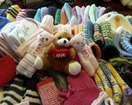 BAMSER: Tre bamser er blant de rundt 800 varmende gavene som blir sendt til Etiopia. Alle foto: Privat