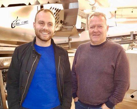 FØRER ARVEN VIDERE: I fjor overtok Even Johansen (t.v) rollen som daglig leder i Tobø Fisk AS etter Tor Bjarne Stabell. Selskapet ble startet i 1997  av Stabell og Evens far, Børge Johansen.