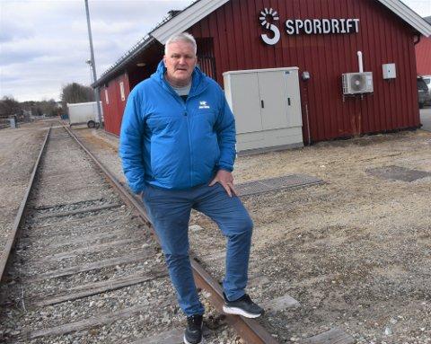 NÅ ER DET OVER: Viggo Samuelshaug (62), fra Alvdal, takker for seg etter 44 år på sporet. Foto: Jan Kristoffersen