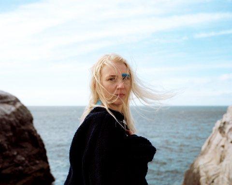 Marthe Valle er en sanger og låtskriver fra Harstad. I 2005 vant hun spellemannpris for sin første plate «It's a bag of candy».
