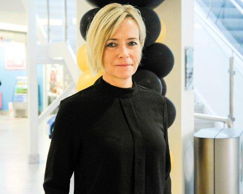 KILDESORTERING PÅ KUBEN: Anne Trine Høibakk, senterleder for Kuben, lover at det vil bli mulighet for resirkulering på senteret.