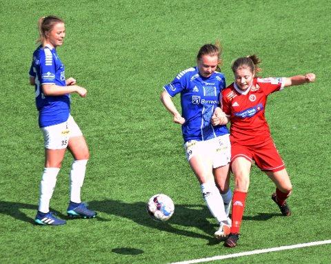 Henriette Strand (39) scoret det ene målet da Sarpsborg 08s damelag spilte 2-2 borte mot Lyn 2 i 2. divisjon avdeling 1 i fotball søndag. Sarpsborg 08 er fortsatt ubeseiret i serien etter fire runder. Dette bildet er fra serieåpningen hjemme mot Fart 2 i slutten av april. (Foto: Kjetil A. Berg)