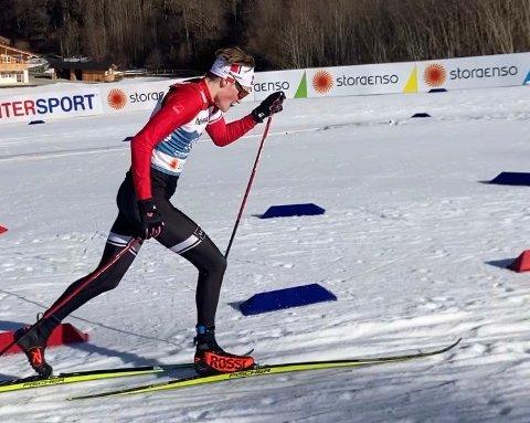 FRÅ LEIKANGER TIL VM: Dansk-systrendingen Hjalmar Michelsen (18) har delteke i VM på ski i Tyskland dei siste to vekene. Her er han i aksjon under sprinten.